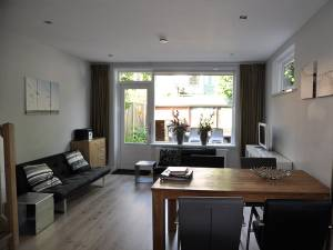 Nette en moderne woonkamer
